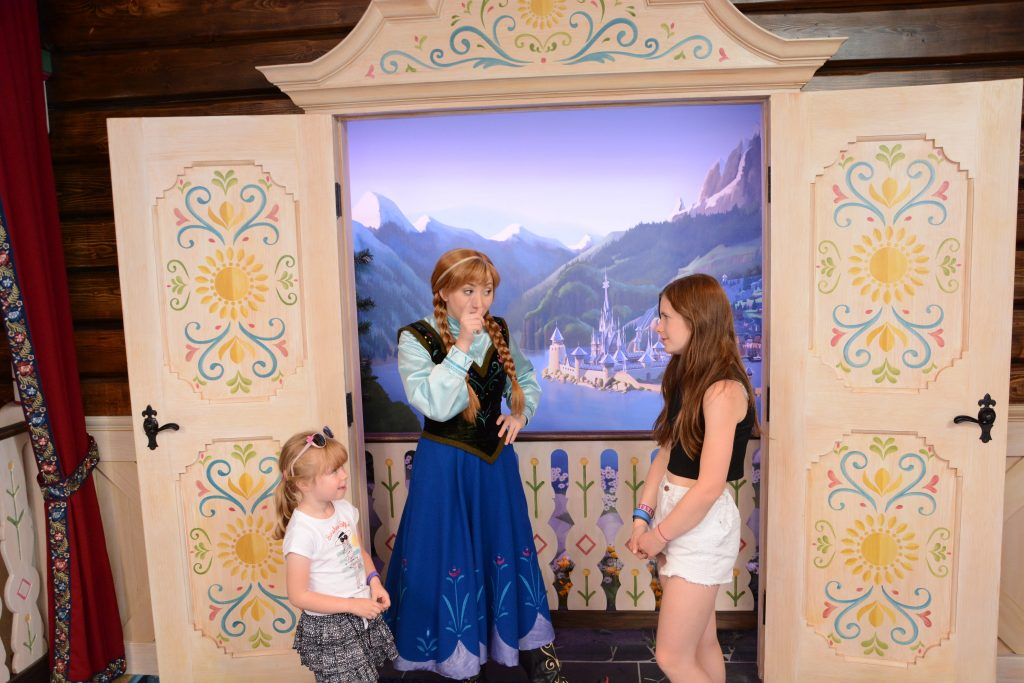 Frozen Anna and Elsa EPCOT Norway