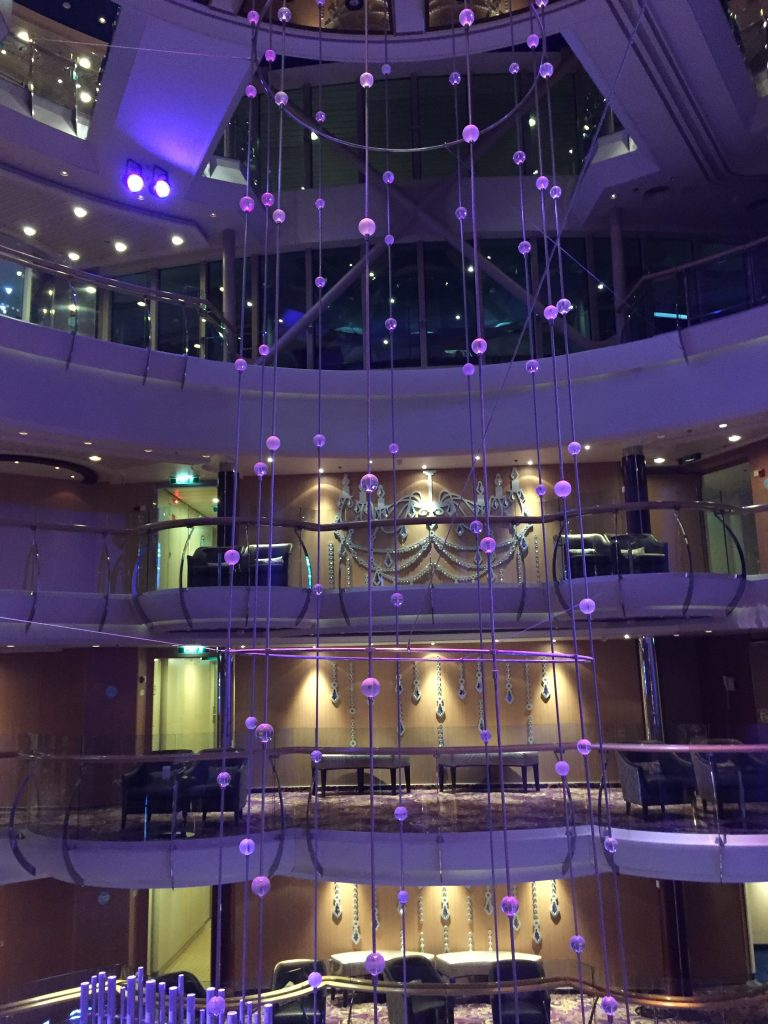 Centrum Jewel of the Seas