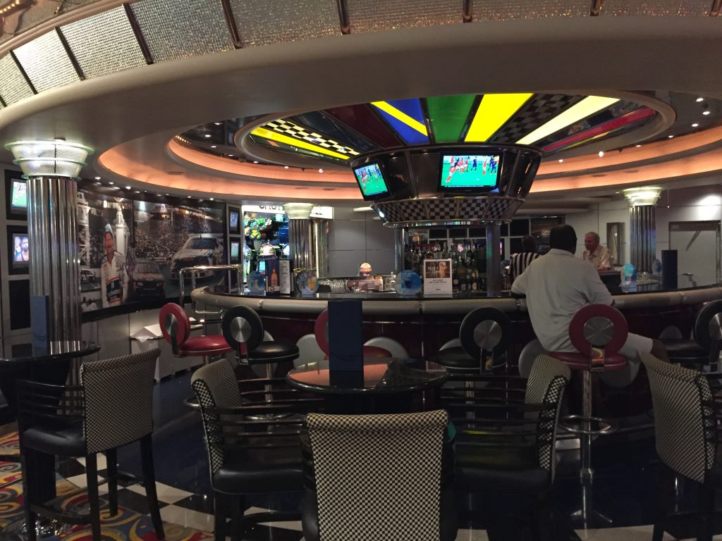 Pit Stop Sports bar Jewel of the Seas