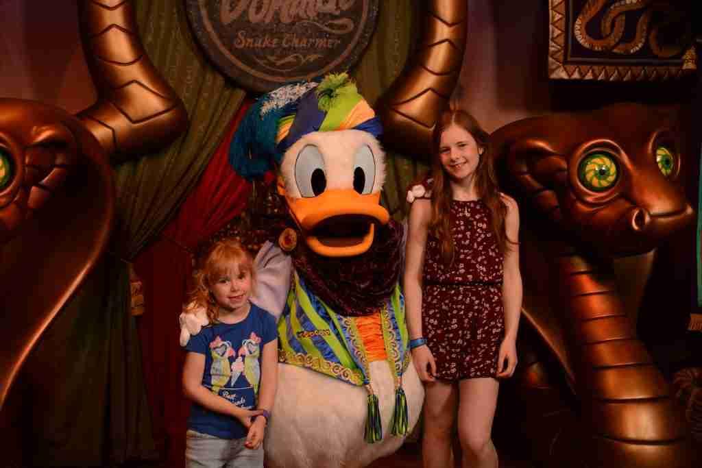 Pete's Silly Sideshow Donald Goofy Daisy Miinnie