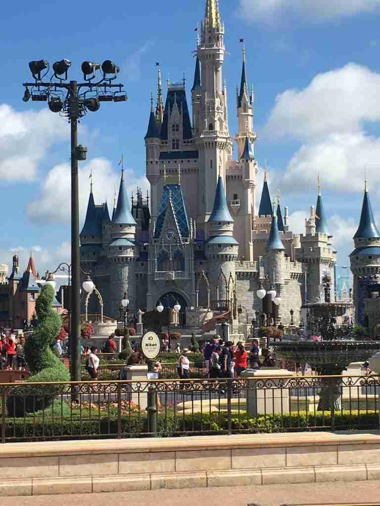 Magic Kingdom Central Plaza a magic Kingdom guide