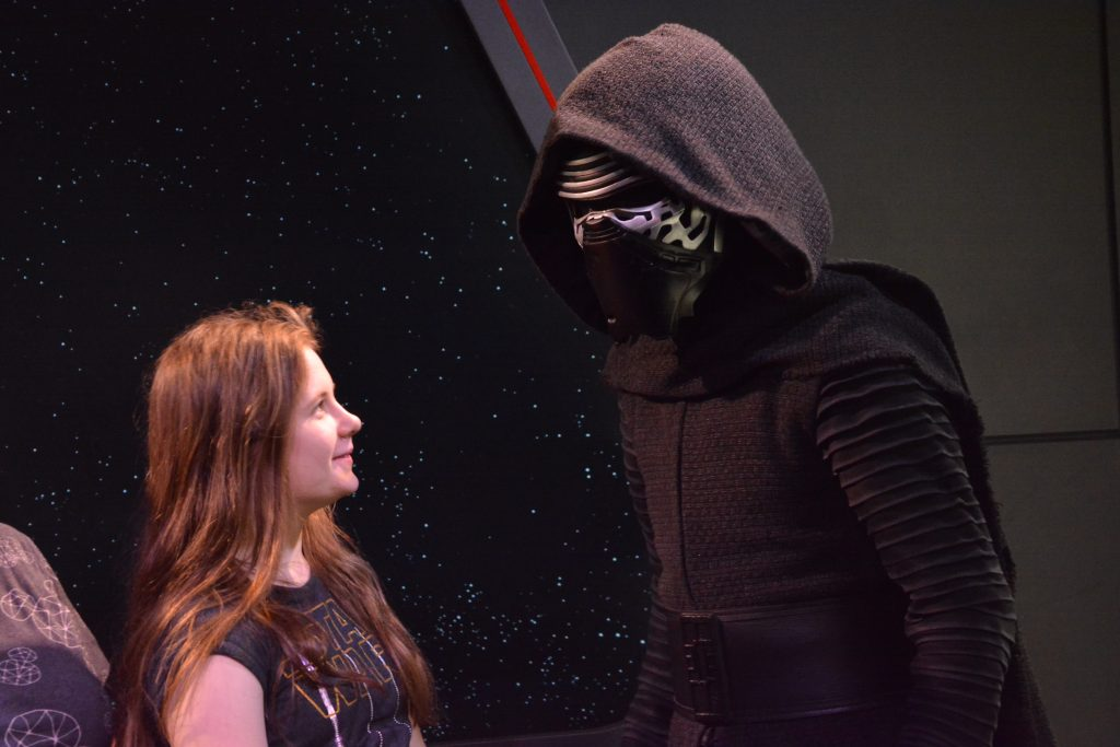 Hollywood Studios Meeting Characters Kylo Ren & other Star Wars characters
