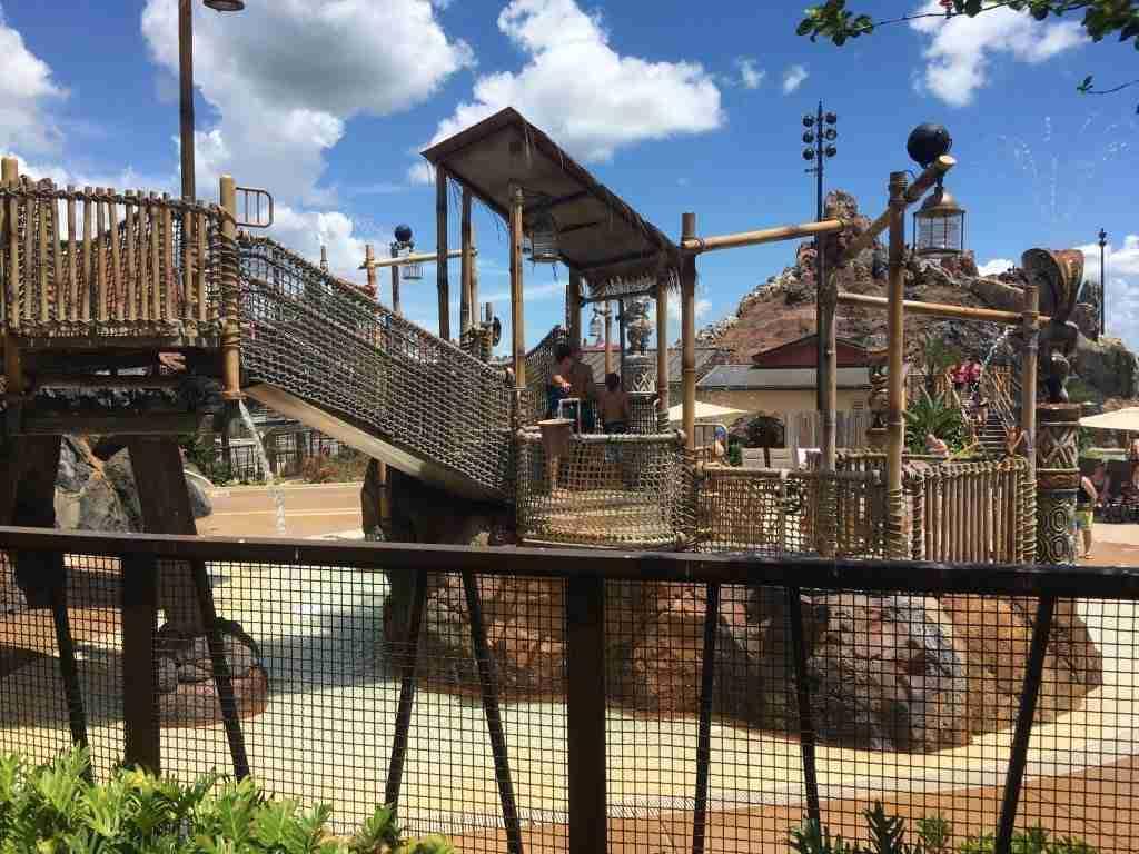 Disney's Polynesian Village Resort Fun Pool Review of resort