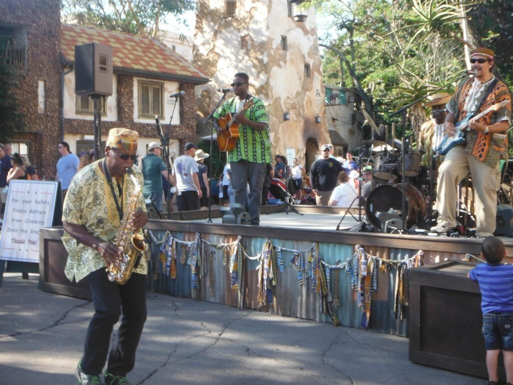 Street Entertainment Animal Kingdom
