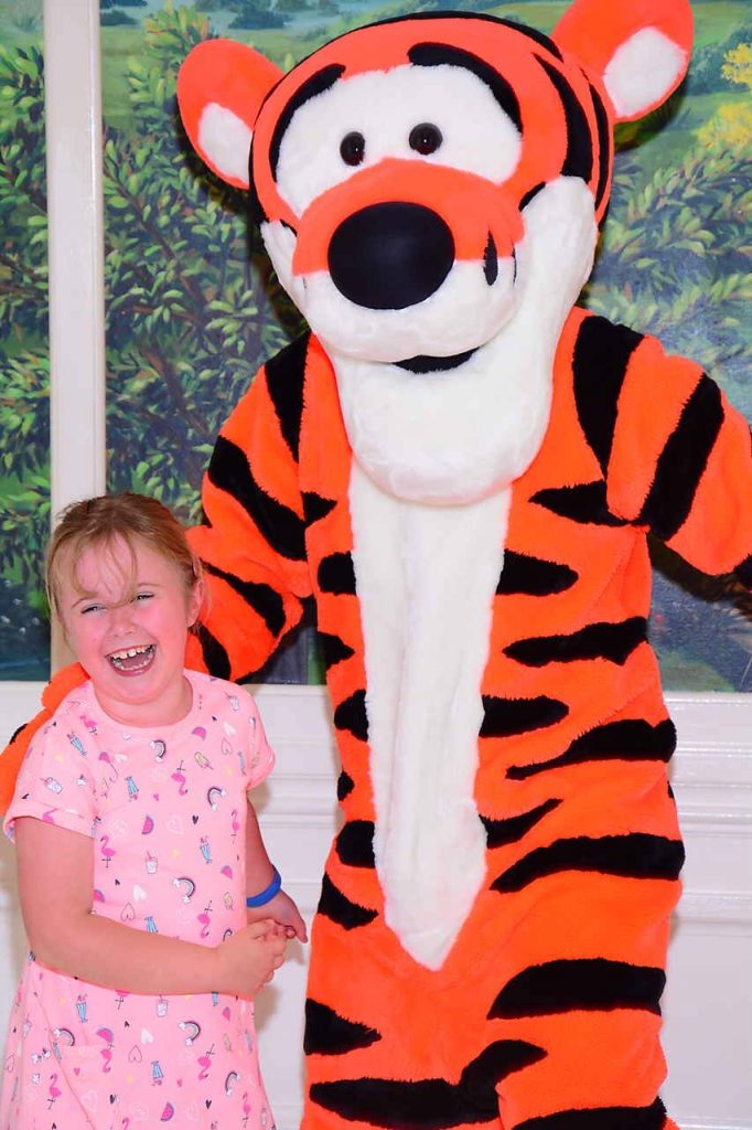 Walt Disney World Character meals Guide Supercalifragilistic Breakfast at 1900 Park Fare Review Tigger