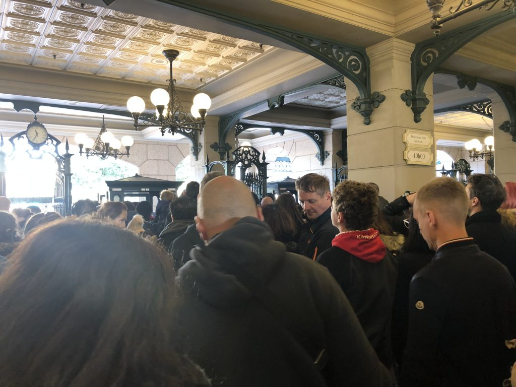 Disneyland Paris big crowds