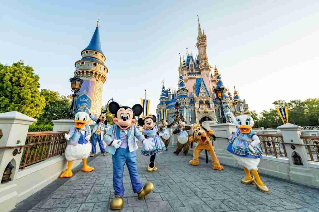 The Biggest Ever List of Walt Disney World Hacks