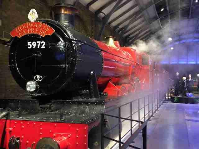 Warner Bros. Studio Tour London - The Making of Harry Potter Hogswart Express